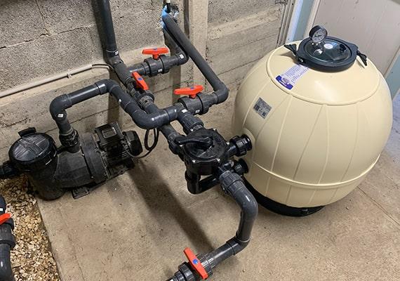 Installation local technique avec filtre à sable AQUARIUS