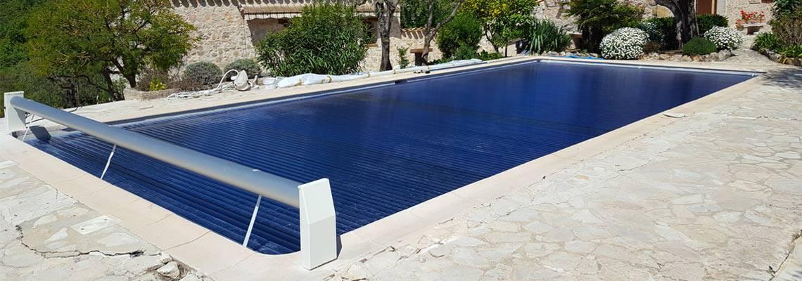 Volet roulant pour piscine Silver Roll avec lames polycarbonate