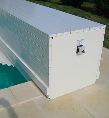 Volet piscine hors-sol avec coffre