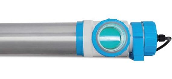 Vue détaillée rayons UV pour traitement eau piscine PURIQ